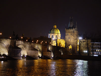 prague_-_charles_bridge_at_night_little.jpg
